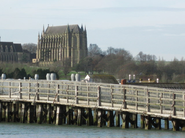 The_old_Toll_Bridge_over_the_Adur,_with_Lancing_College_chapel_in_the_background_-_geograph.org.uk_-_621502